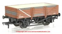 33-087 Bachmann 5 Plank China Clay Wagon number B743273 in BR Bauxite livery with weathered finish and without hood